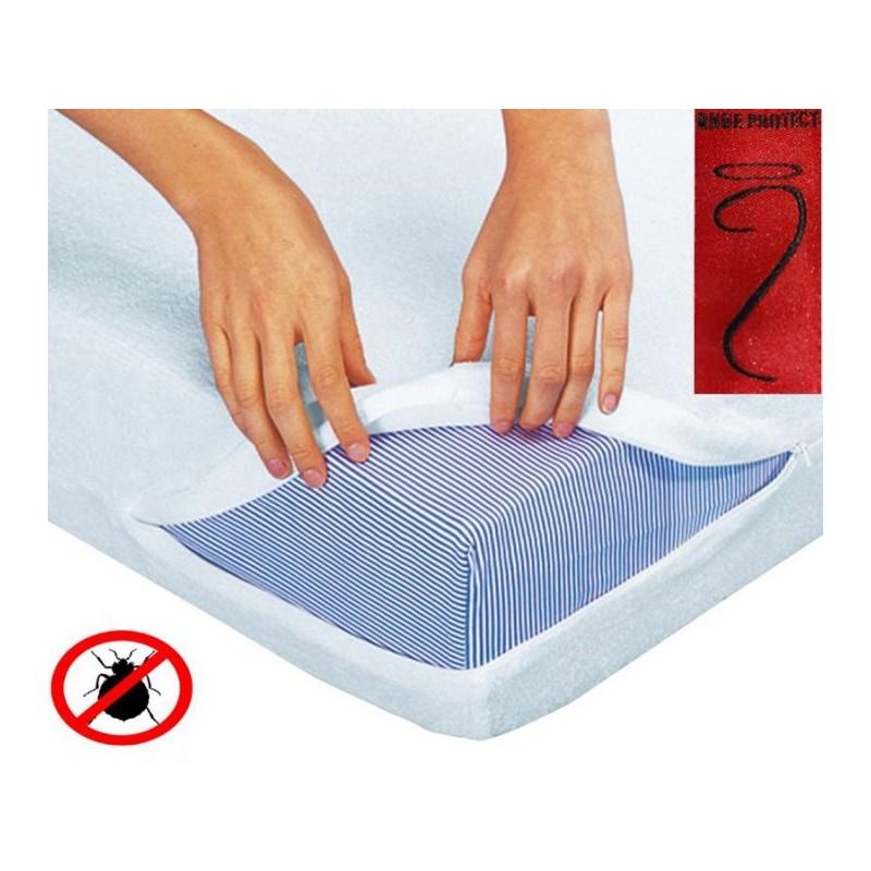 La housse de lit anti-punaises pour lit bébé s'intègre parfaitement autour de matelas aux dimensions 60-70 x 120cm