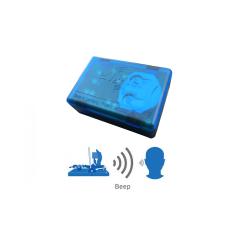 Vue agrandie du eMitter bleu : c'est lui qui vous avertit par signal sonore de la prise d'un rongeur !