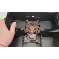 Piège à rat professionnel pour extérieur, en position ouverte, avec tapette rat plastique armée