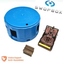 Le piège à souris SWOPBOX comprend la boite sécurisée, une tapette souris Gorilla Traps ainsi qu'un bloc NARA arôme chocolat.